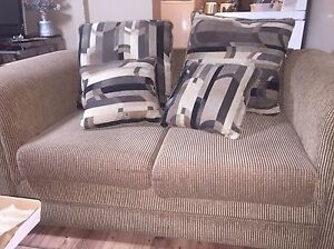 Beige love with seat with 4 pillows  Windsor Region Ontario image 1