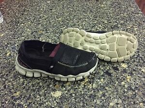 skechers size 11, go walk shoes $12