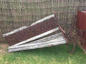 Wrought Iron Bench South Windsor Hawkesbury Area Preview