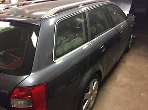Audi A4 B6 wagon 3.0 auto - part out London Ontario image 4