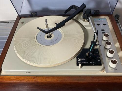 KLH Model 11 Stereo Turntable  + KLH Speakers Vintage