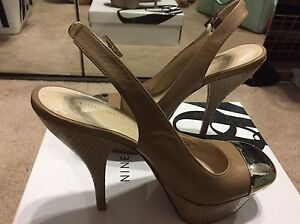 NINEWEST taupe-silver capped toe -size 6.5