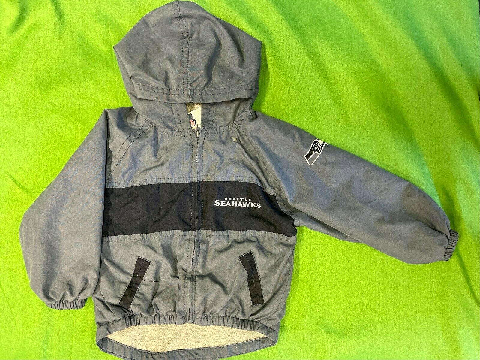 B623/160 NFL Seattle Seahawks Toddler Windbreaker Jacket 24 months