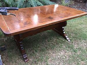 Extendable dining table Tamborine Ipswich South Preview