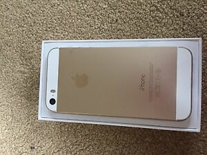 IPhone 5s 32gb used with great condition and 6 nice cases Oakville / Halton Region Toronto (GTA) image 6