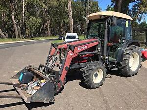 TYM 451 Cab Tractor 4x4 45hp Kubota engine 4in1 bucket Silvan Yarra Ranges Preview