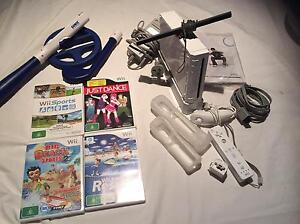 Wii console and accessories Berwick Casey Area Preview
