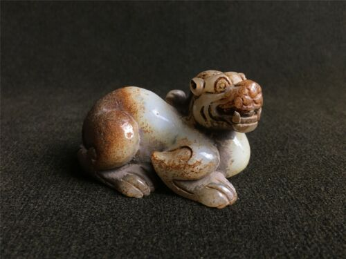 Ancient Chinese Hetian white jade cinnabar ooze colour dragon statue