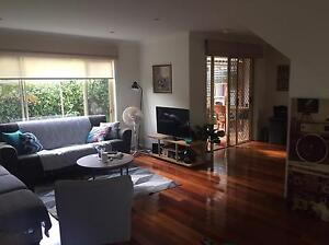 Short term room available in spacious townhouse during XMAS and NYE's Brookvale Manly Area Preview