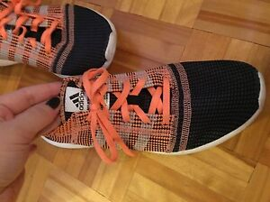 ADIDAS RUNNING SHOES/SOULIERS DE COURSES  West Island Greater Montréal image 1