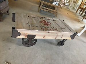 Retro Industrial Railway Wooden Coffee Table On Wheels Pallet Style Coffe Table