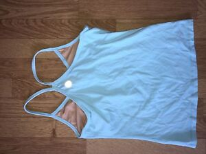Size 4 lulu tanks!  Kingston Kingston Area image 1