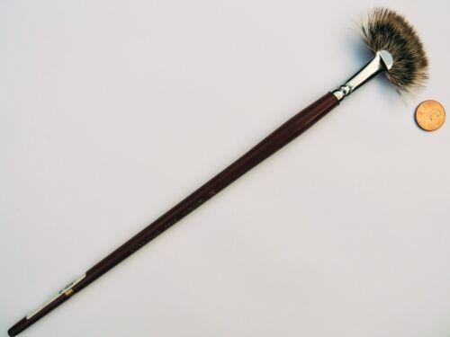 Langnickel Royal Sable Long Handle Blender Fan Brush-2,8,10,12or30($9.00-$29.00)