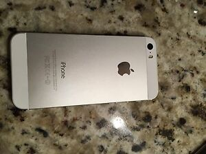 IPhone 5s 16GB + Apple earbuds Oakville / Halton Region Toronto (GTA) image 4