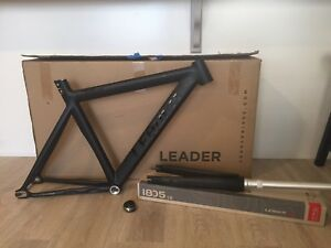 Leader 725 Matte Frame Set 49cm + Matte Black I805 Carbon Fork + FSA C-40 NEW!