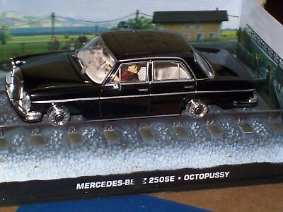 """MERCEDES-BENZ 250 SE From Movie """"OCTOPUSSY"""" JAMES BOND 007 1/43 DIORAMA - NEW"""