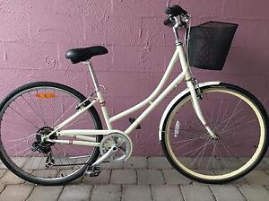 Ladies bicycle with basket Darwin CBD Darwin City Preview