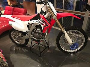 """Crf250r 2014 """"AS NEW """" still with spikes on tyres Stafford Heights Brisbane North West Preview"""