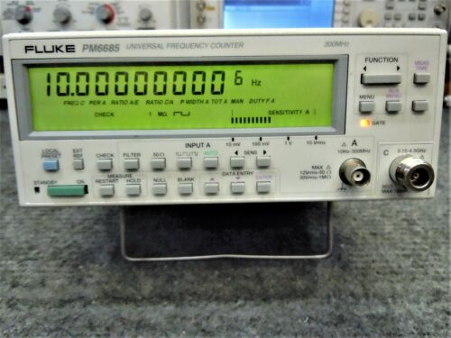Fluke PM6685 Universal Frequency Counter with 4.5 GHz Channel & 10 MHz OCXO
