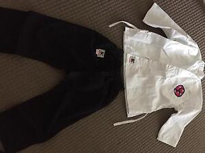 Karate Uniform, size 6 Cornubia Logan Area Preview