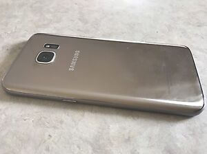 Barely Used (1 month old) Unlocked Samsung Galaxy S 7 with cover