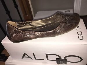Beautiful brown leather flats