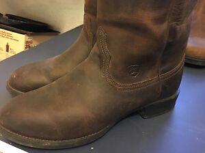 Cowboy Boots - Ariat Heritage Roper
