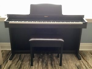 Roland HP2 Digital Piano