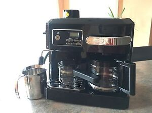 DeLonghi expresso/cappuccino/ drip coffee Combo Machine West Island Greater Montréal image 2