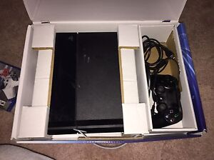 PS4 - with 3 games & all the hookups