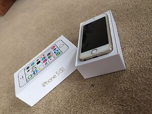IPhone 5s 32gb used with great condition and 6 nice cases Oakville / Halton Region Toronto (GTA) image 5