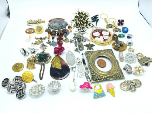 ESTATE LOT OF VINTAGE TO MODERN JEWELRY assorted pieces for crafting