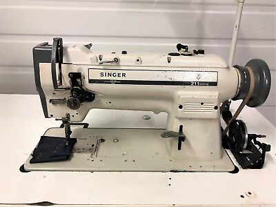 Singer 211a567ab Walking Foot Big Bobbin Reverse 110v Industrial Sewing Machine