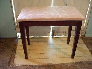 REFURBISHED   PIANO  STOOL Young Young Area Preview