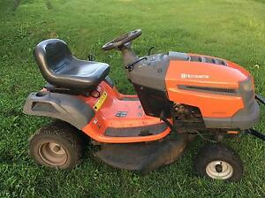 Husqvana 19530 Ride on mower Ewingsdale Byron Area Preview