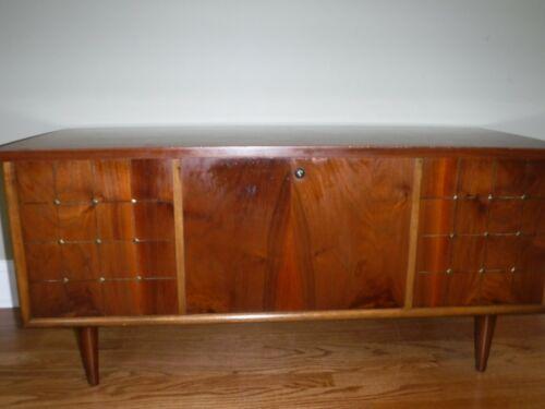 Lane Furniture Style 5939-50 Hope Chest (lock removed per Ebay)