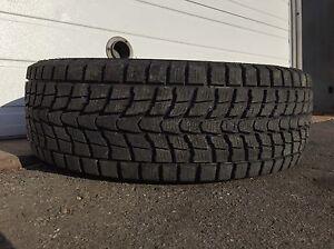 Un seul pneu d'hiver 225/60R17