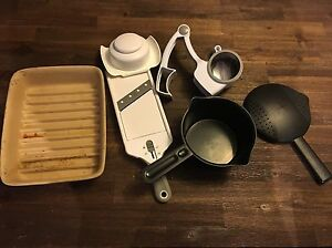 Pampered chef items gently used London Ontario image 1