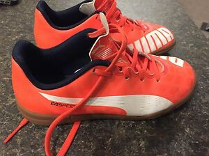 Kids Indoor Soccer Shoes size 1