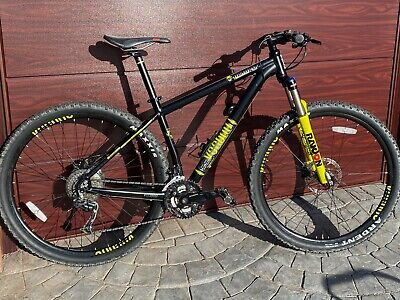 """Voodoo Bizango 29'er Hardtail Mountain Bike 18"""" Medium"""