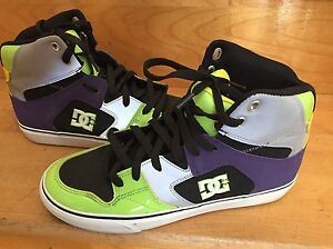 DC men's size 9