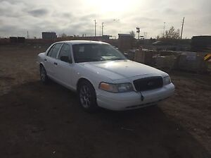 2009 crown Vic for sale 2000$