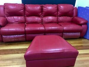 Leather Lounge Suite in good condition