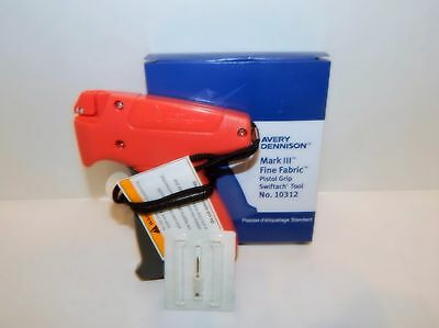 Avery Dennison Fine Clothing Garment Price Tagging Gun Only 10312