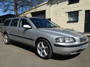 2002 51 Volvo V70 2.4 (140) SE Manual Estate Met Silver Black Leather