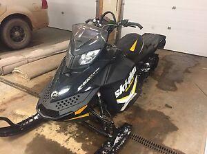 "Ski-Doo Summit X 163"" 800R E-Tec Rev XP"