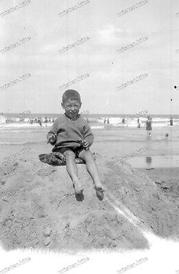 Vintage Photo negative-1930-Young-cute-Boy-teen-swimsuit-play-beach-2 ()
