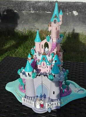 Mini Polly Pocket Cinderella Schloss mit Licht