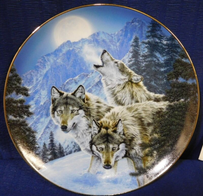 Plate Moonlit Symphony A Masters Collection Call of the Wild p0117