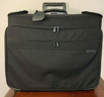 Rolling Luggage (BRIGGS & RILEY Baseline Black Wheeled Garment Suitcase Rolling luggage 06-U76)